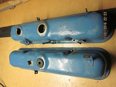 CHRYSLER CORP. 318cu. VALVE COVERS
