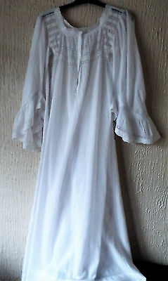 Beautiful Vintage Lawn And Lace Nightgown