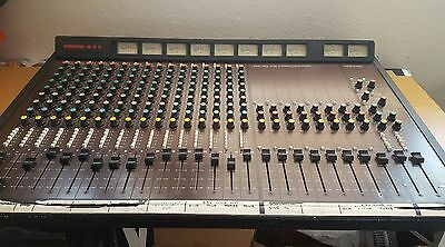 Dynamix Vintage Star Sound 16-8-2 Mixing Table