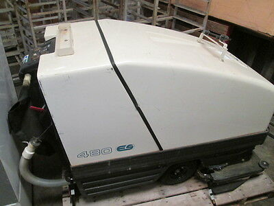 Tennant 480-ES Commercial Walk Behind Automatic Floor Scrubber NEW BATTERIES
