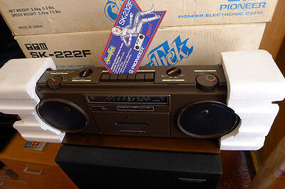Pioneer SK-232 f Stereo Radio ok, Cassete No work BOOMBOX New Small defeckt