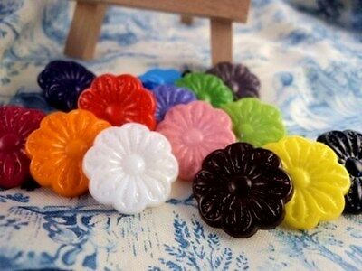 C3034-25mm VERY LARGE FLOWER SHANKED PLASTIC ITALIAN BUTTONS - LOT OF COLOURS