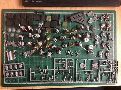Large Quantity Of Warhammer Over 40 Figures Plus Bases And Accessories