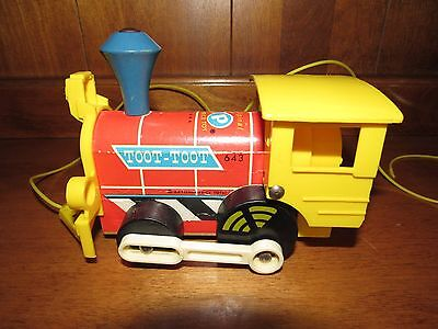 Vintage Fisher Price 1964 Toot-Toot Wood Locomotive Pull Toy Train #643