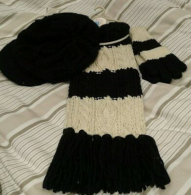 girls hat scarf and gloves set 3-6 years