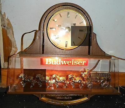 Vintage Budweiser Clydesdale Clock Light Up Sign Double Sided Working Beer Sign