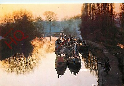 Postcard: GRAND UNION CANAL, NARROW BOATS AT DUSK, RICKMANSWORTH