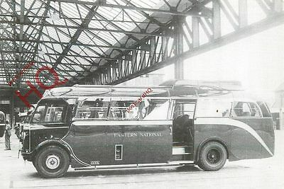 Postcard: EASTERN NATIONAL COACHES, VICTORIA COACH STATION, 1935 (REPRO)