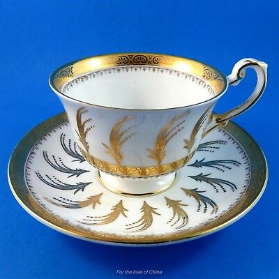 Pretty Gold Design Foley Tea Cup and Saucer Set