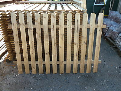 Picket Fence Panels - Heavy Duty Garden Picket Fencing