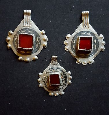 "Morocco - 3 silver beads niello and red glass cabochon for necklace "" IDA or NAD"