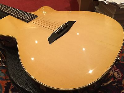 DRL CT-09 THINLINE ELECTRO ACOUSTIC; HARDCASE top condition; battery-free