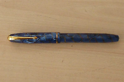 Superb Conway Stewart 85 Royal Blue Marble Effect Fountain Pen