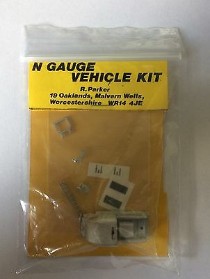 N gauge Kit of Fordson 7V Heavy Pump Fire Appliance (1939) with decals - New!!
