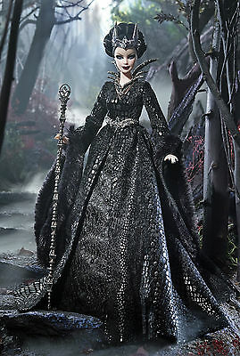 Stunning Faraway Forest 2015 *queen Of The Dark Forest* Barbie-New In Shipper*