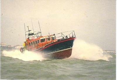 Lifeboat - Eastbourne Mersey class 12-36 'The Royal Thames' - postcard