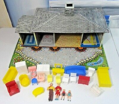 1950's Vintage Litho T COHN Tin/Metal House with Yard Superior Furniture & Dolls