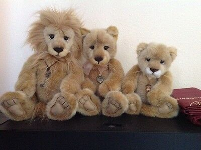 charlie bears Linus Lyra & savannah lion family bnwt plus 3 Charlie bears bags