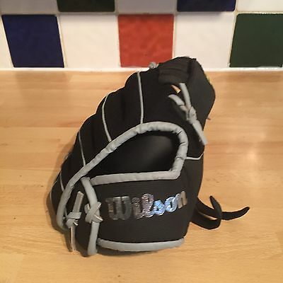 "New Wilson A200 RHT Dual Hinge A2434WB 10 1/2"" Glove/Mitt Black Left Handed"