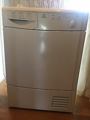 INDESIT IS70C Freestanding Tumble Dryer In White