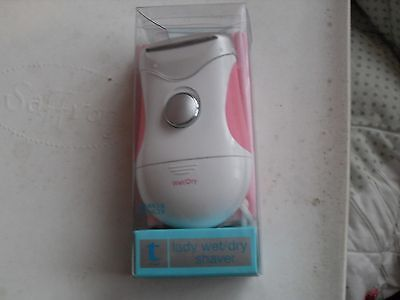 Ladies battery operated wet & dry travel shaver from M&S