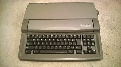Sharp Font Writer FW 560s Personal Word Processor Working