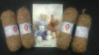 Sirdar Large Bear Bundle 4x100g yarn plus pattern
