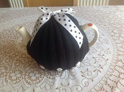 HAND KNITTED TEA COSY - Spotty
