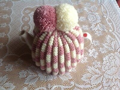 HAND KNITTED TEA COSY - Vintage, Granny Style