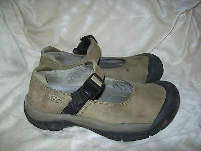 Keen Women's Leather Slip On Mary Jane Flats Shoes Size 7.5
