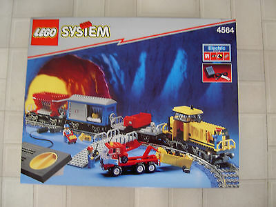 Collectable LEGO train set 4564, Freight Rail Runner, 9V