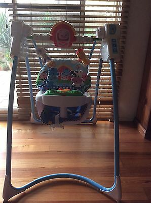 Fisher Price Farmyard Friends Baby Swing -10 Songs-6 Speed - 3 Positions