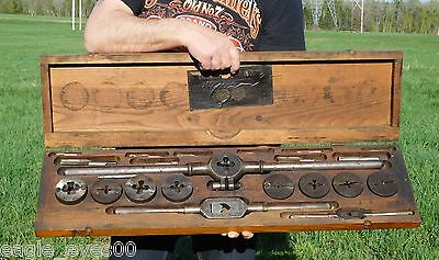 Huge Antique Green River No.1112 Screw Plate Tap & Die Set W/dovetailed Wood Box