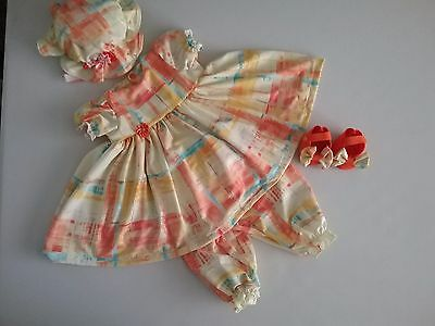 """Lovely 4 piece set dress pantaloons hat and felt shoes for a 20""""doll"""