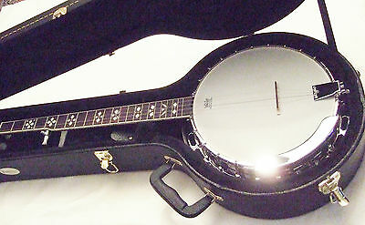 New Ashbury Folk/ Bluegrass AB-45-5 String Banjo with solid case excellent tone