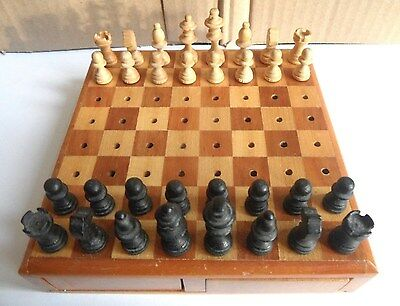 Vintage/Retro Top Quality Wooden Travel Chess Set (Made in Germany)