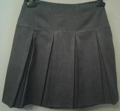 Girls Grey School Pleated Skirt Age 13/14 Years In Good Condition