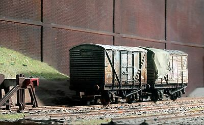 Scrapyard abandoned wagons, heavily rusted & weathered ref 3a