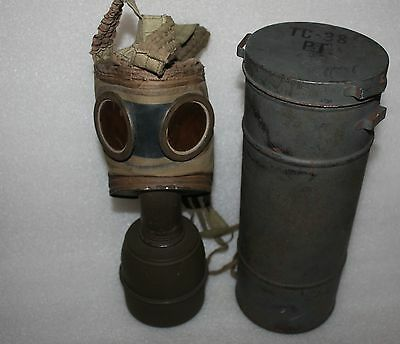 French Wwii Tc38 Gas Mask & Case