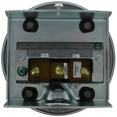 "Dwyer Instruments 1823-20 Differential Pressure Switch (3-22""w.c.)"