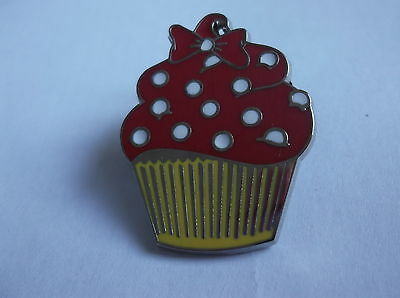 Disney's Minnie Mouse Cup Cake Pin  Badge