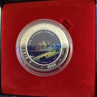 1998 Titanic 25 Shillings Silver Coin from Somalia in display case
