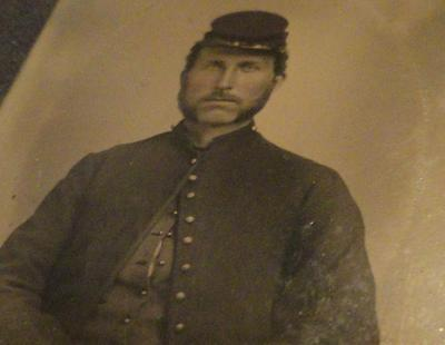 AUTHENTIC CIVIL WAR UNION SOLDIER 1/9th PLATE TINTYPE MOTHER OF PEARL FULL CASE