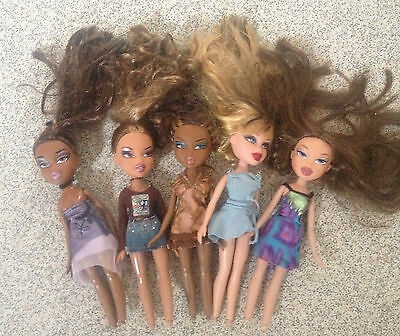 x5 Bratz Dolls Bundle fully dressed joblot in good condition
