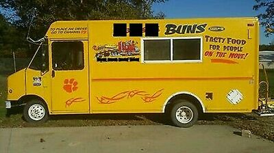 nice Food truck fully equipped kitchen trailer bbq burger wings ready to work