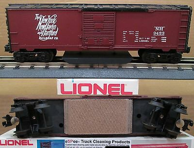 eSPee™ TRACK CLEANING BOX CAR - Lionel - New York New Haven & Hartford - O Scale