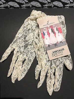 Original vintage  lace gloves - so pretty - vintage outfit, wedding, party