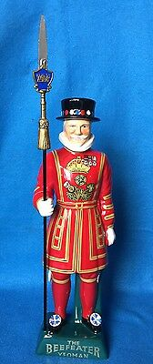 Beefeater Gin The Yeoman Genuine English Ceramic  Liquor Decanter Rare Vintage