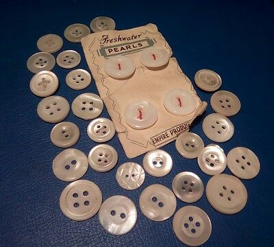 Vintage   mother of pearl buttons  30