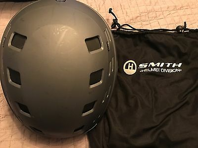 Mens Smith Variant Helmet in grey Size Med, with orig bag, Good Condition.